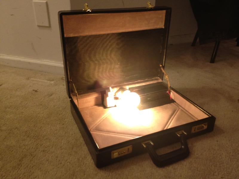 briefcase tarantino